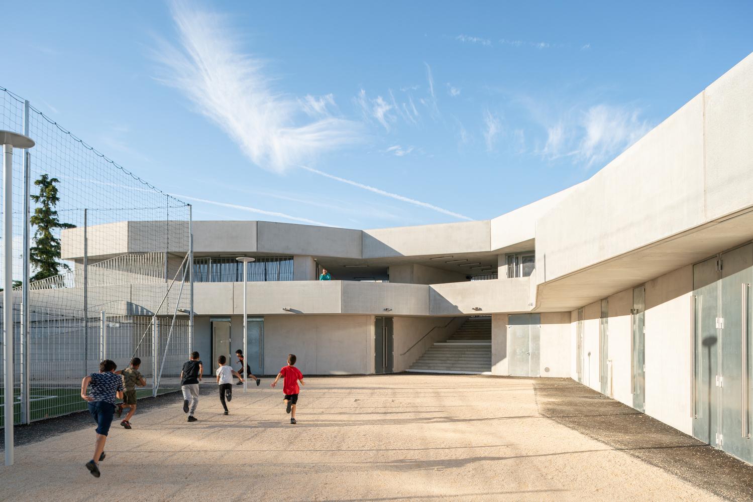Malpasse Stadium / Guillaume Pepin architect + Fabrice Giraud architect