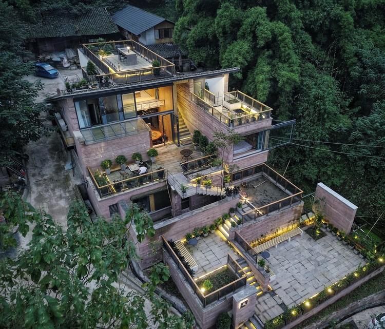 A Casa na Montanha do Lew / LEW JOESON, © E-Jay