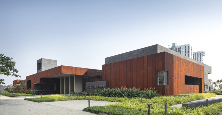 Club Centrum / Abin Design Studio, © Niveditaa Gupta, Samya Ghatak, Abin Chaudhuri