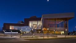 Centro Taylor para las Artes Escénicas de la Universidad Mount Royal / Pfeiffer