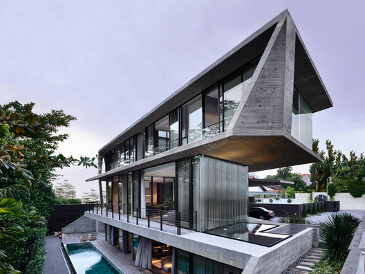 Casa Stark / Park + Associates Pte Ltd