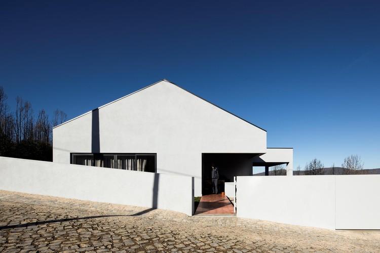 Casa de Isilda e Aires Henriques / ateliermob, © Fernando Guerra | FG+SG