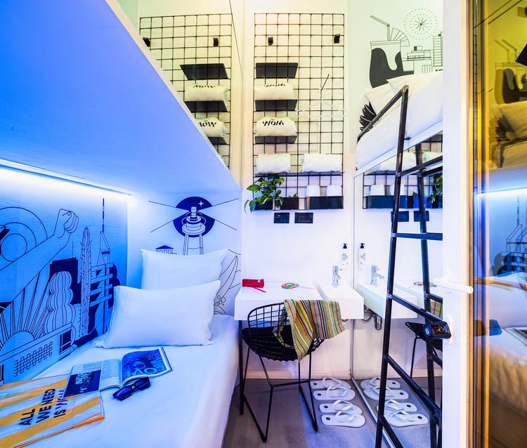 Hotel WOM Allenby / Gerstner Architects, © Mark Kovalsky