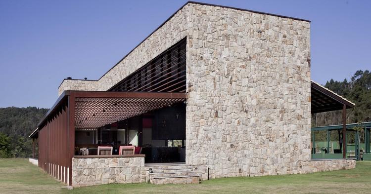 Sede do Clube de Caça e Tiro de São Paulo / Lucia Manzano Arquitetura + Paisagismo, © Luana Fischer