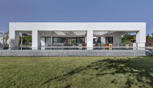 The Artistic House / Dan & Hila Israelevitz Architects