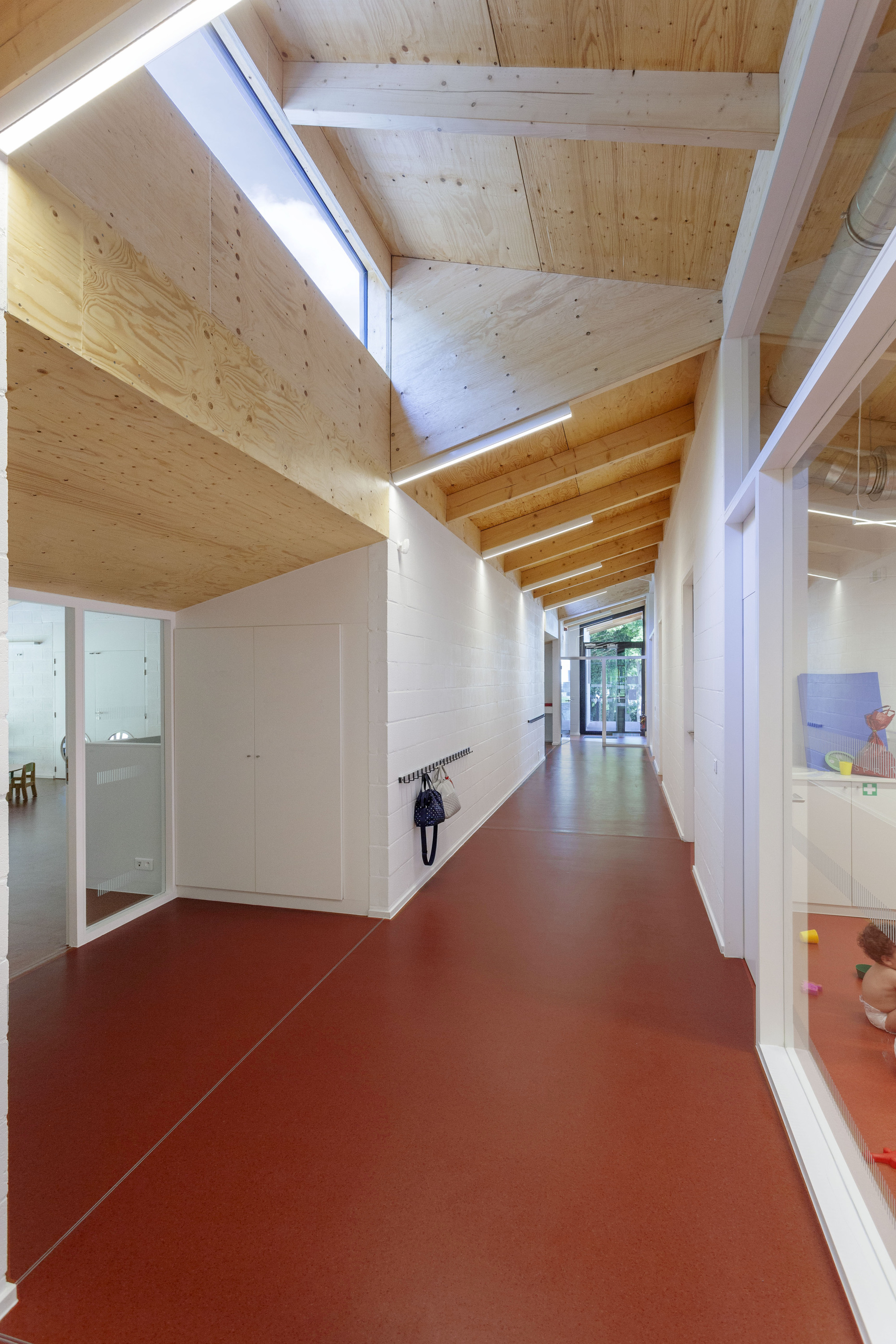 Idee Deco Couloir Moderne kindergarten architecture and design | archdaily