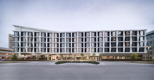 AC Hotel Dallas by the Galleria / 5G Studio Collaborative