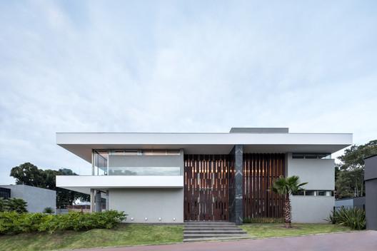 Residência HRB / Schuchovski Arquitetura, © Eduardo Macarios
