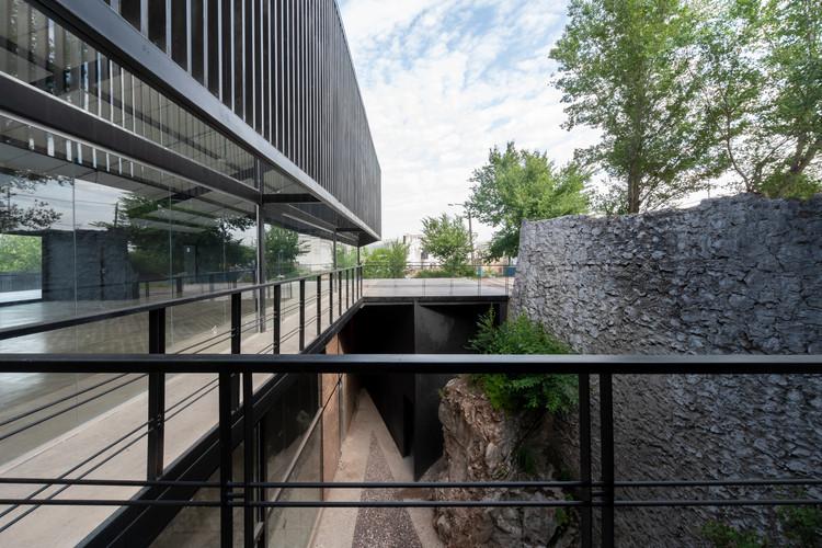 Instalações E55 La Calera / Bender Freiberg Arquitectos, © Gonzalo Viramonte