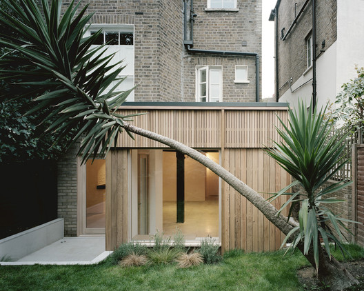 Leaning Yucca House / DF_DC