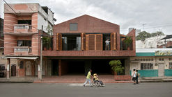 Housing and Educational Space La Casa que Habita / Natura Futura Arquitectura