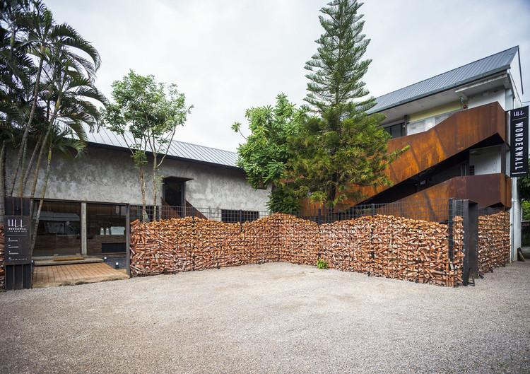 Hotel Wonderwall / b l a n k s t u d i o, © Baanlaesuan.com