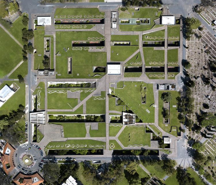 Chacarita Moderna: una muestra que explora la historia y los estilos del Cementerio de Buenos Aires, Foto aérea. Image © Nestor Barbitta