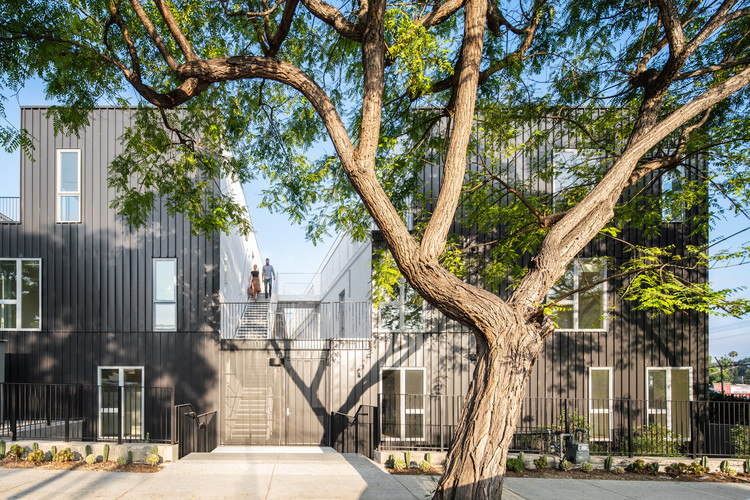 DILLON617 Housing  / Lorcan O'Herlihy Architects, © Paul Vu