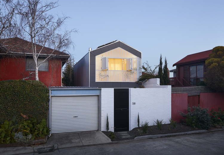 St Kilda Cottage House / Jost Architects, © Tom Roe