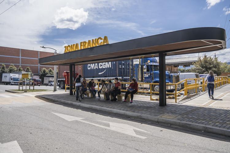 Parada de bus lúdica / Arquiurbano Taller, © Alejandro Arango