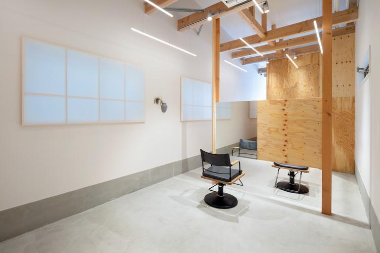 LAND Salon / SIDES CORE, © Takumi Ota