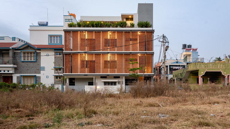 The Radical Makeover House / Sudaiva Studio, © Geeth Gopinath