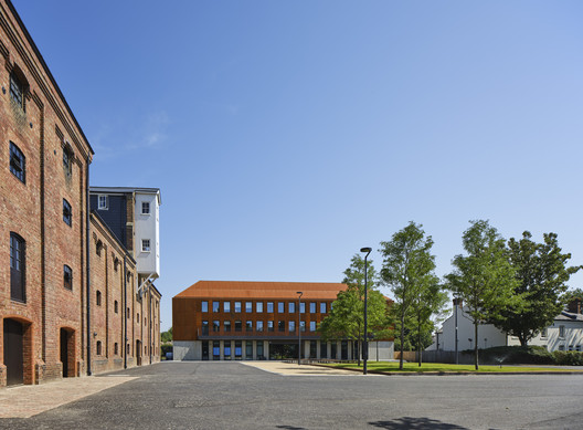 The King's School International College / Walters & Cohen Architects