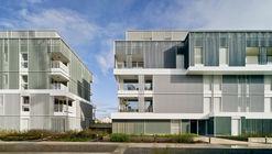 Viviendas Bon Marché y Espacio Verde Público / Temperaturas Extremas Arquitectos