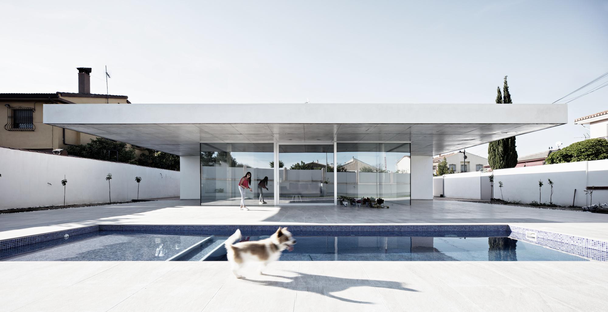 The House of Jesus / Rubens Cortés Arquitectos