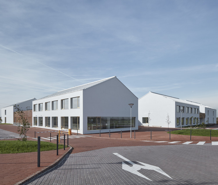 Elementary School Amos / SOA Architekti, © Jakub Skokan and Martin Tůma / BoysPlayNice