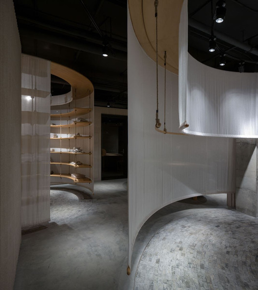 Jisifang Store / Neri&Hu Design and Research Office