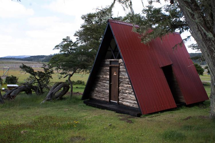 Cabina Sanitaria Parque Karukinka / SAA arquitectura + territorio, © Rodrigo Munzenmayer