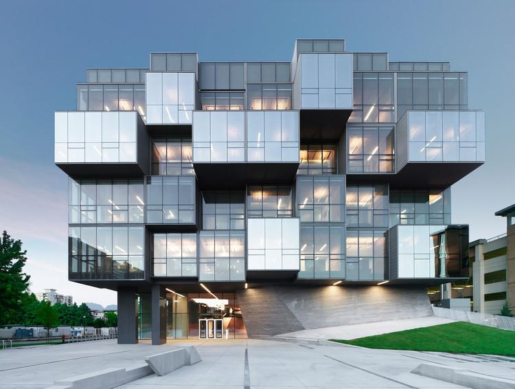 """Gilles Saucier de Saucier+Perrotte Architectes: """"La arquitectura es algo que nunca olvidarás"""", © Marc Cramer. Facultad de Ciencias Farmacéuticas de la UBC - Vancouver"""