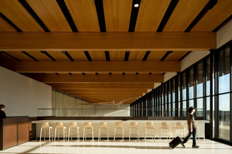 6 Airport Interiors that Enhance Traveling Experience , Fort Mcmurray International Airport / office of mcfarlane biggar architects + designers. Image: © Ema Peter