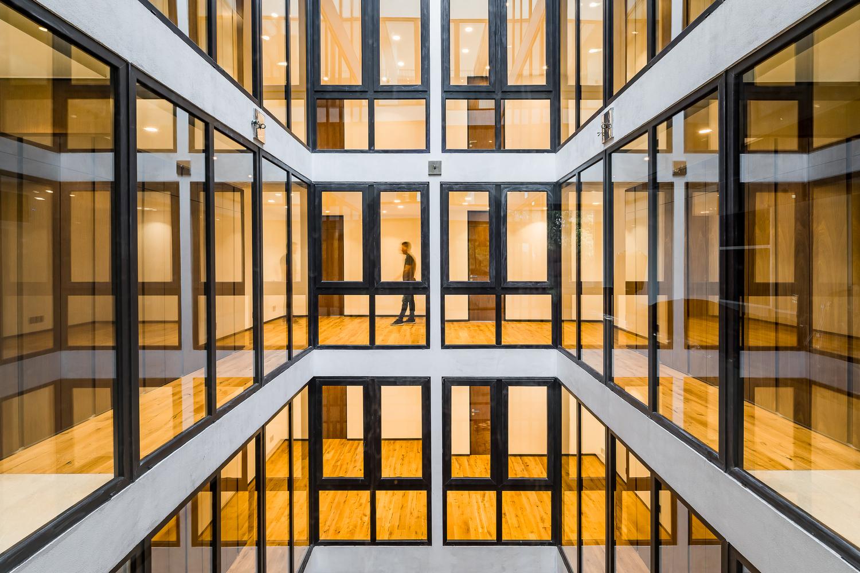 Division del Norte Building / Iconico