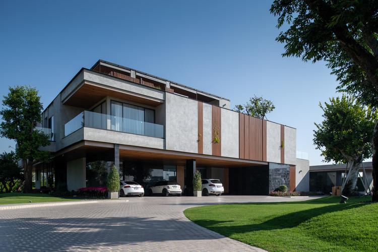 Jongluck Villa 168 / Full Scale Studio, © Beer Singnoi