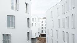 Apartamentos em Ave. Maréchal Fayolle / SANAA