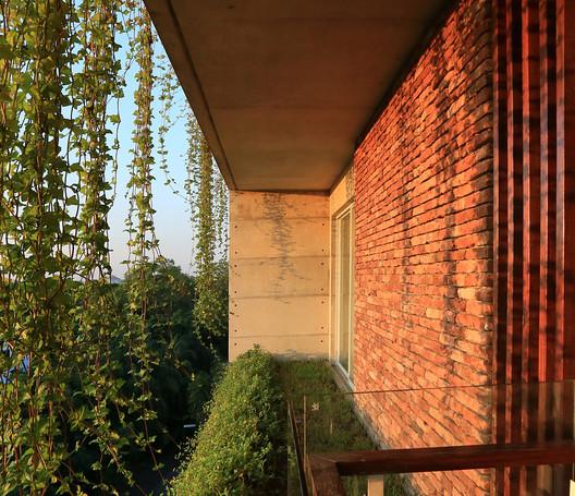 Karim Residence / ARCHFIELD. Image © Mahfuzul Hasan Rana