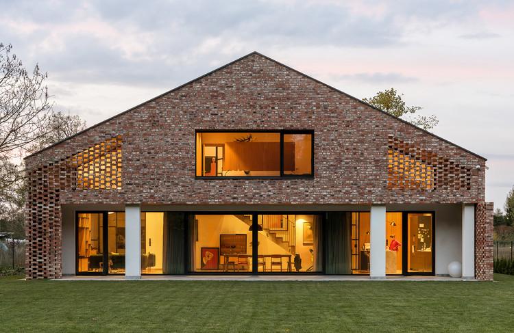 Casa con ladrillos reutilizados / Wrzeszcz Architekci, © Przemyslaw Turlej
