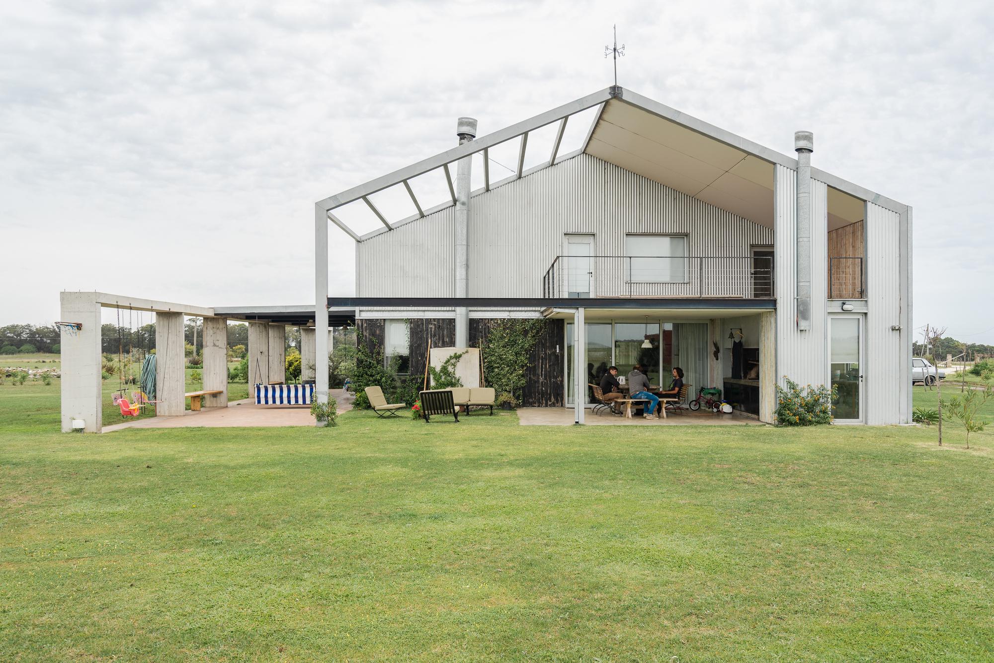 La Moringa Events Room and House / Garage Arquitectura