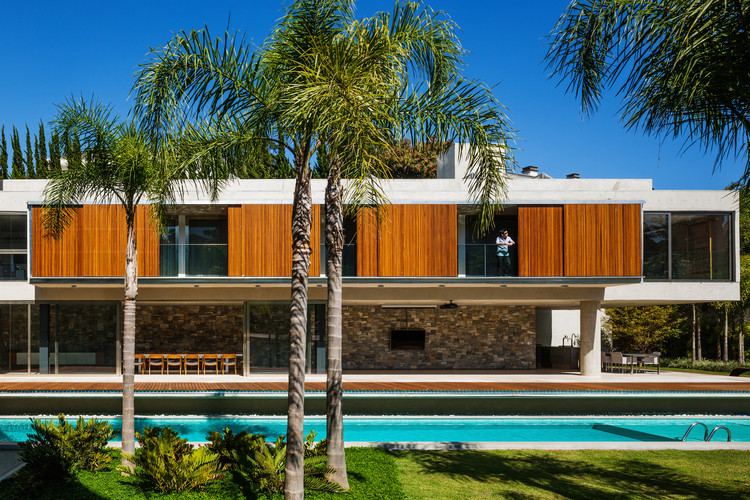 TRD House / Biselli Katchborian Arquitetos, © Nelson Kon