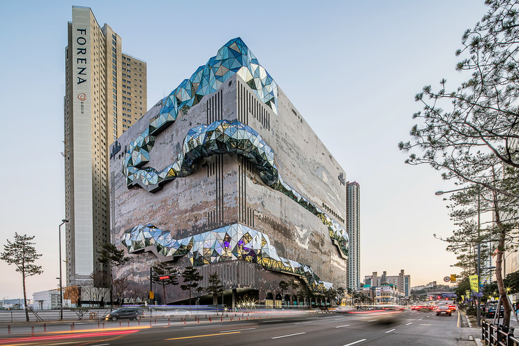 OMA Completes the Galleria Department Store in Gwanggyo, South Korea, © Hong Sung Jun, courtesy of OMA