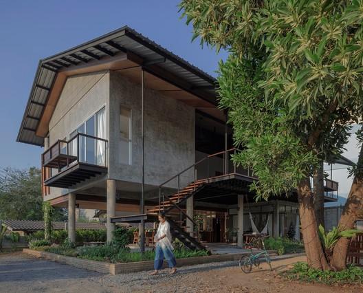 Baan Lek Villa / GLA DESIGN STUDIO