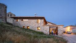 Alcoba Housing / MYCC