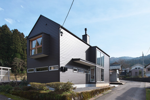 H House / BAUM