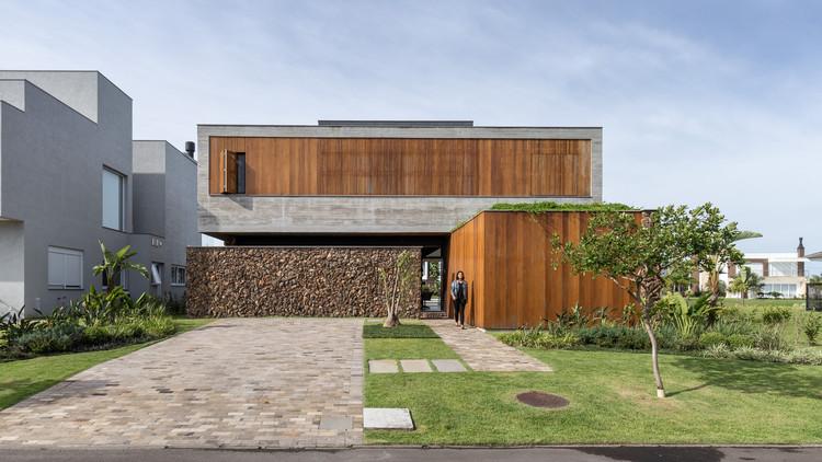Casa W / Oficina Conceito Arquitetura, © Marcelo Donadussi