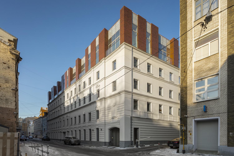 Sovremennik Residential Building Extension / Al Studio + Front Architecture