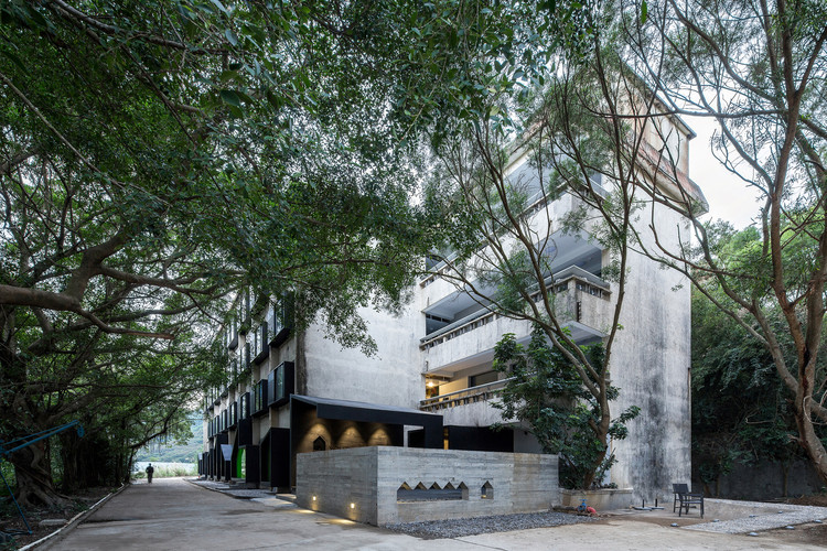 No.2 student dormitory, used to be a youth hostel for the art community. Image © Chao Zhang