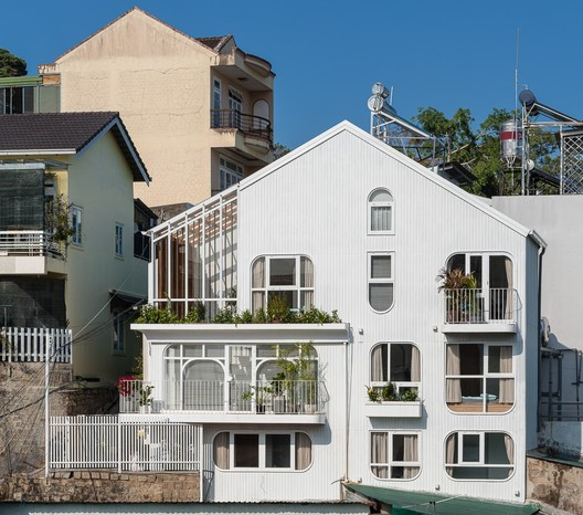Hospedaje Komorebi / AD9 Architects