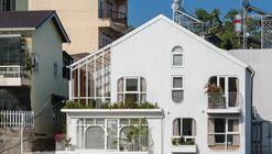 Komorebi Homestay / AD9 Architects