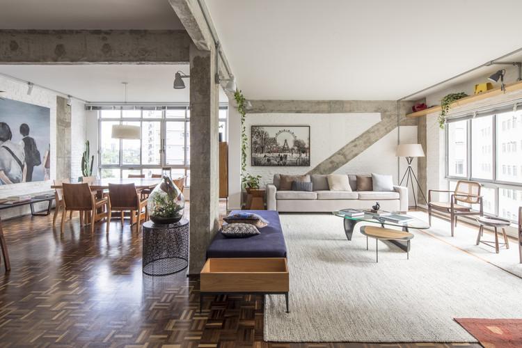 Apartamento dos Vergalhões  / Casa100 Arquitetura, © Maira Acayaba