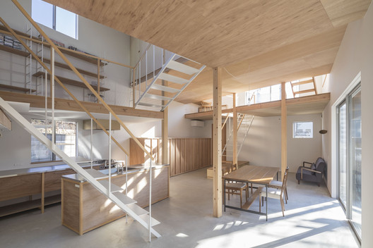 House in Hakuraku / Tato Architects