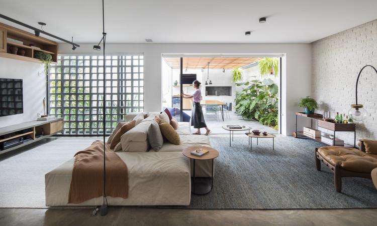 Casa Dezoito  / Casa100 Arquitetura, © Maira Acayaba