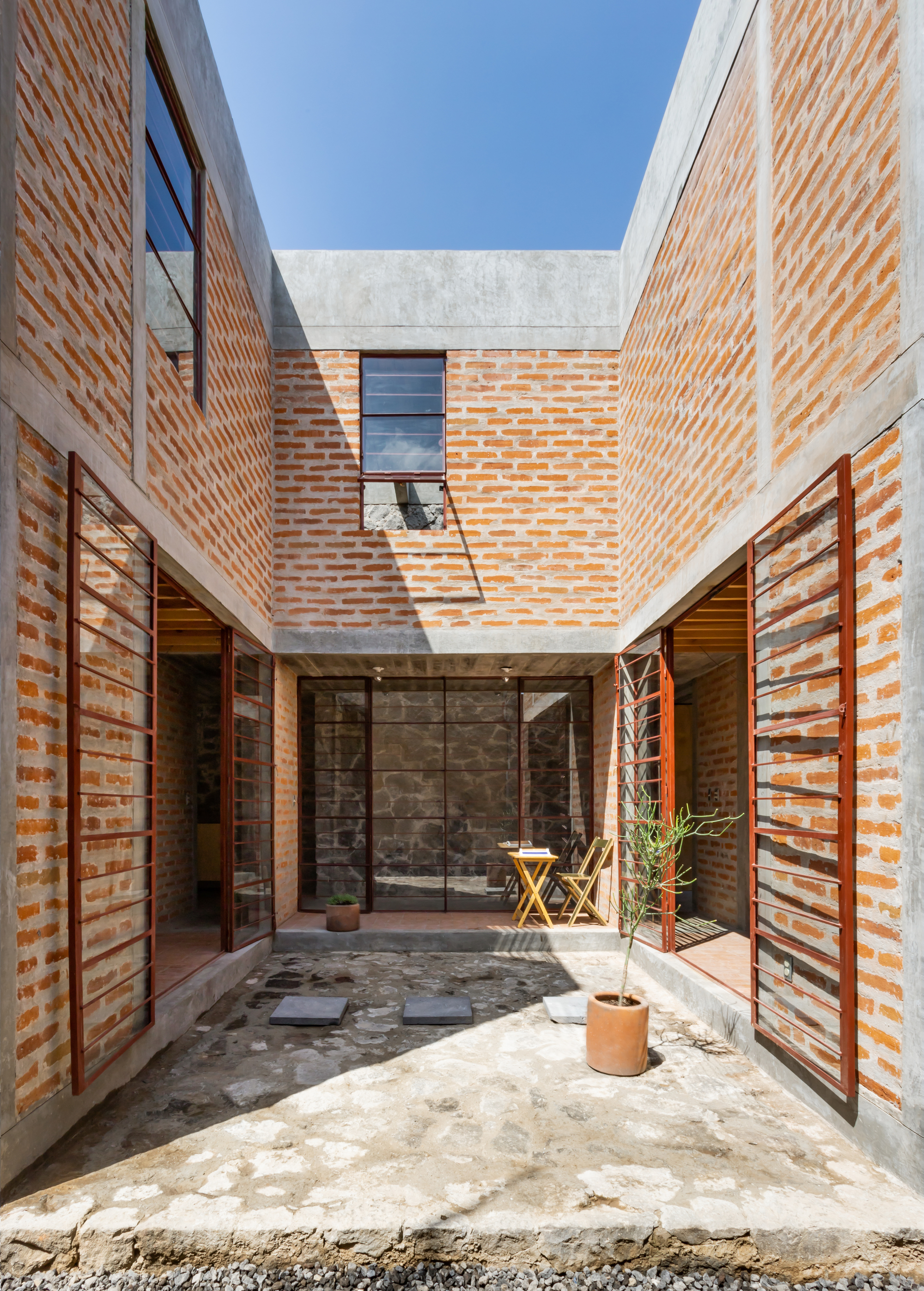 Maison Avec Patio Central houses architecture and design | archdaily